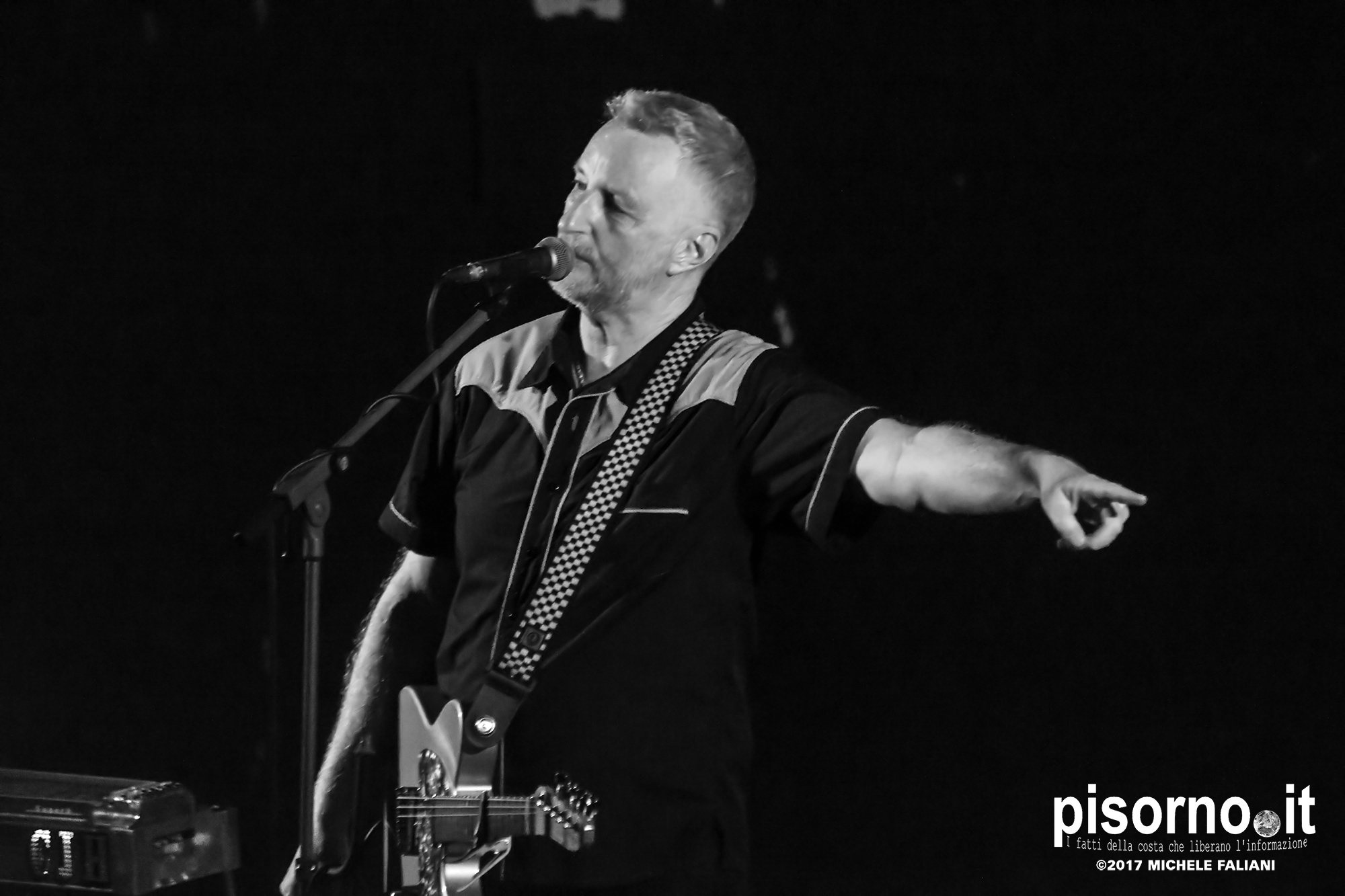 billy bragg way over yonder in the minor key live