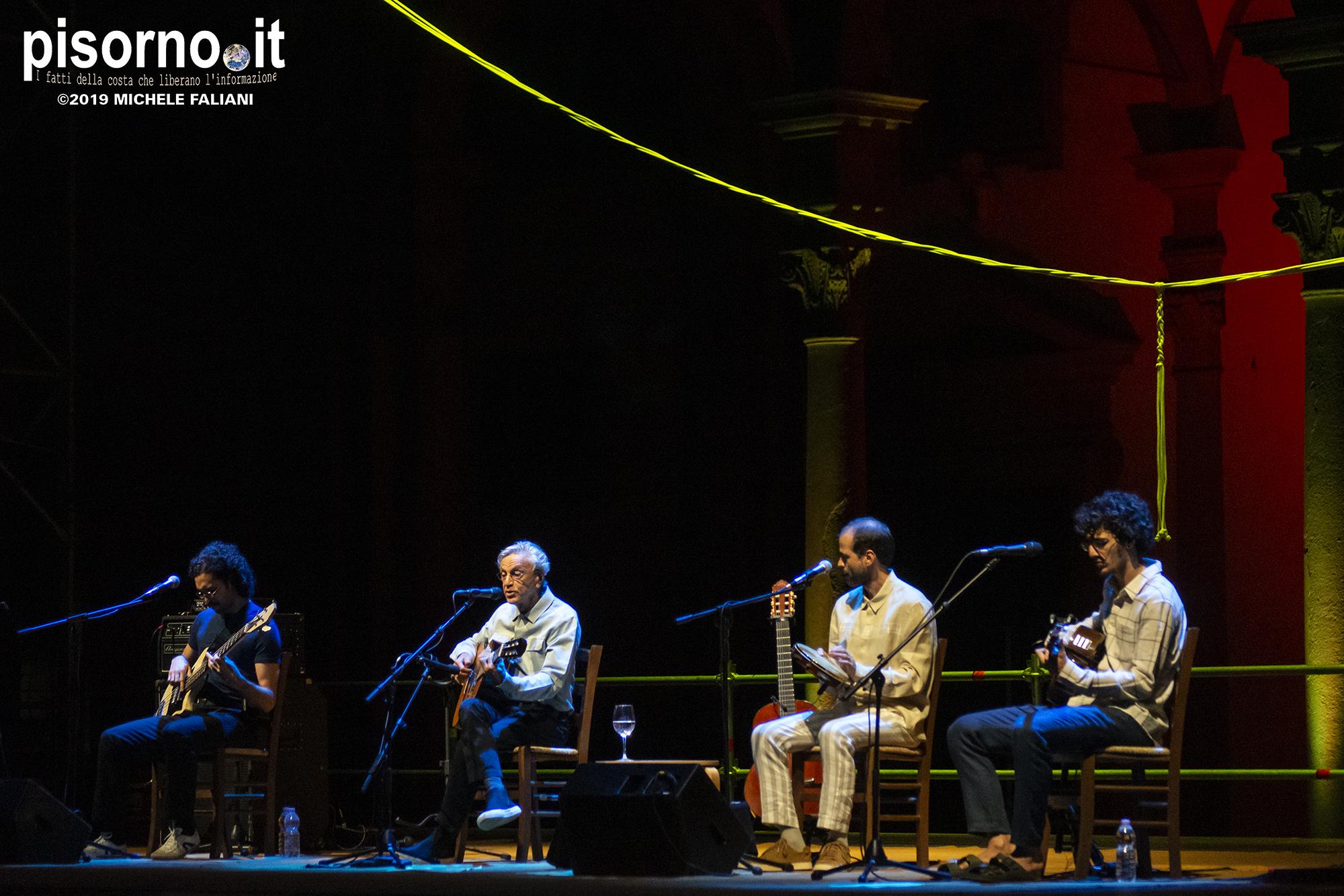 Caetano Veloso, Moreno Veloso, Tom Veloso e Zeca Veloso 19