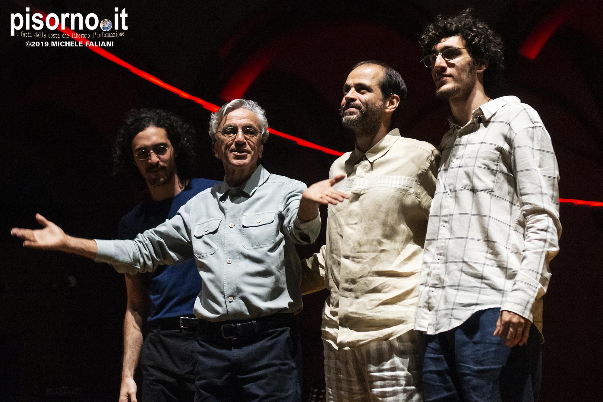 Caetano Veloso, Moreno Veloso, Tom Veloso e Zeca Veloso 26