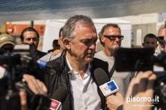 Il Presidente della Regione Toscana Enrico Rossi al presidio dei lavoratori di Grandi Molini Italiani di Livorno
