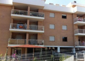 ROMA, BLITZ PER SGOMBERARE CASE POPOLARI OCCUPATE DA NOMADI