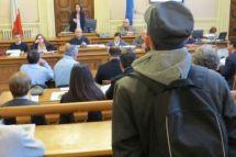 Servizio Affissioni: proteste durante il Consiglio Comunale. Il video