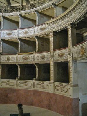 teatro rossi da restaurare