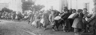 Papa-Francesco-e-i-pontefici-sul-genocidio-del-popolo-armeno_articleimage