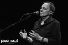 Roberto Vecchioni live @ Teatro Della Pergola (Firenze, 1 Aprile 2015)07